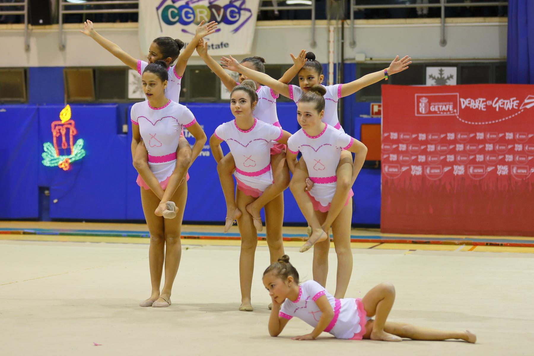 Escuela deportiva gimnasia est tica de grupo rosal a de for Deportes de gimnasia